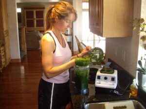 robyn fixing a vitamix