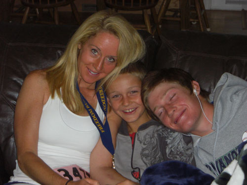 Robyn and her two children
