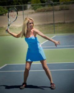 robyn playing tennis