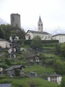 Santa Maria wgraveyar