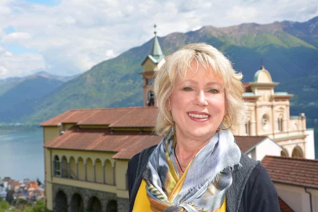 Coach Madeline at Lake Maggiori