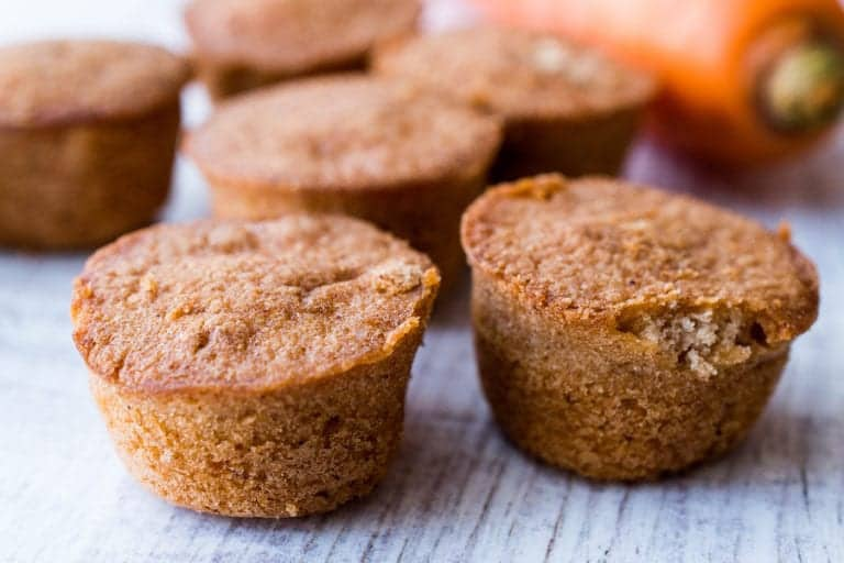 Mini Cakes with Carrot and Cinnamon.