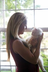 Robyn and her cat, Charlie