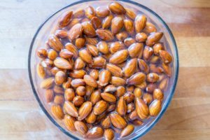 Soaking and sprouting raw almonds