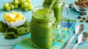 Green Smoothies for Thyroid Health? My Hashimotos Journey