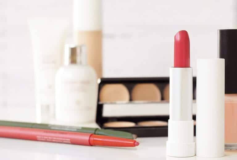 Toxic cosmetic ingredients to Avoid