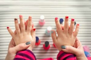 Blog: Can Nail Polish Be Healthy? Don't Paint Your Nails Again Without Reading This!