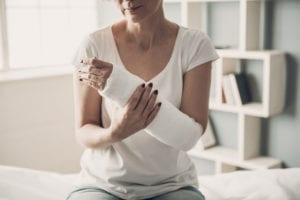 """Photo of a woman with a broken arm in a cast, from """"The Health Benefits of Kelp and Dulse (and How to Eat It)"""" at Green Smoothie Girl."""