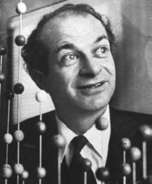 "Black and white photograph of Linus Pauling, from ""Vitamin C: Ascorbic Acid Supplements Can Hurt Your Health"" at Green Smoothie Girl."