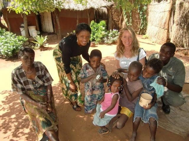 Robyn-Openshaw-Mothers-Without-Borders