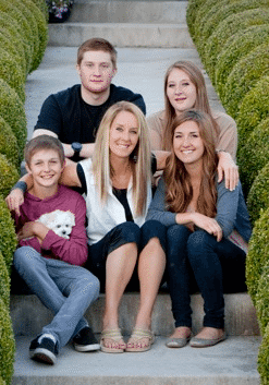Robyn's family on steps